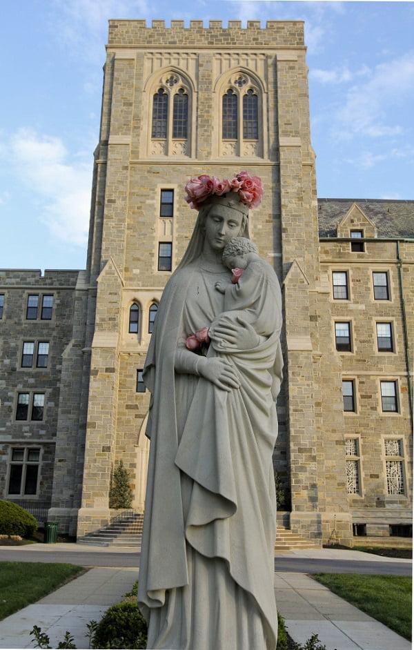 nhung buc tuong duc me dep tuyet my 19 - Những bức tượng Đức Mẹ đẹp tuyệt mỹ