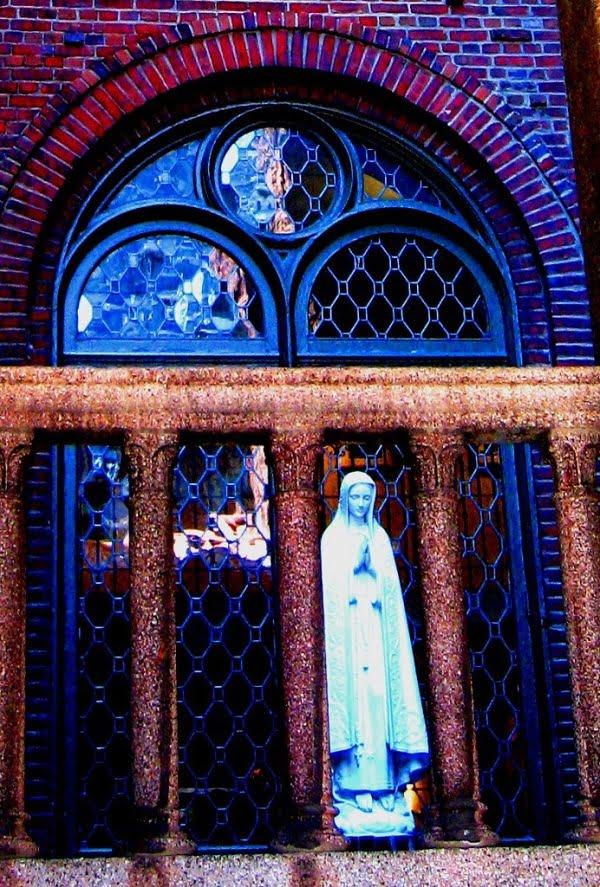nhung buc tuong duc me dep tuyet my 7 - Những bức tượng Đức Mẹ đẹp tuyệt mỹ