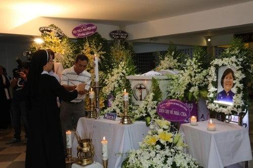 Phái đoàn Ban Tôn giáo Chính phủ viếng lễ tang Nữ tu Maria Trần Thị Kim Quyên