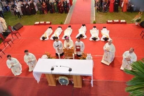 Thánh Lễ truyền chức Linh Mục – Dòng Tên Việt Nam 03.12.2018