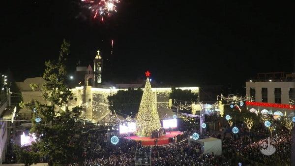 Thắp sáng cây thông Giáng Sinh ở Bêlem 1