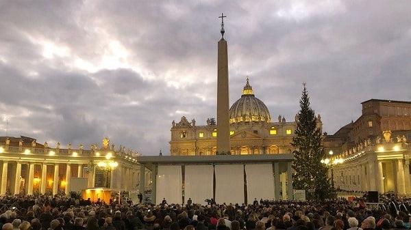 Vatican khánh thành hang đá làm từ cát 1