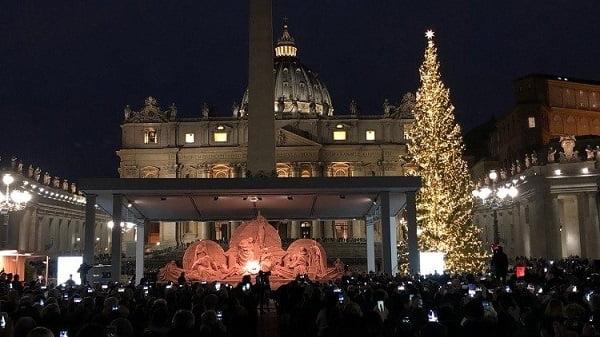 Vatican khánh thành hang đá làm từ cát 2