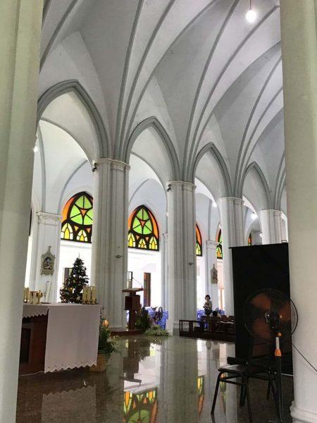 vatican nho giua long sai gon 8 450x600 - Vatican nhỏ giữa lòng Sài Gòn