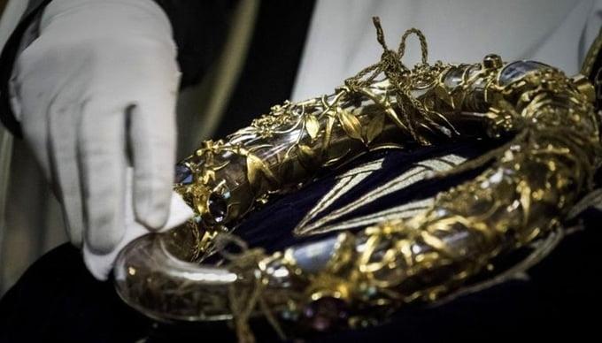 nhung bau vat cua nha tho duc ba paris - Những báu vật của Nhà thờ Đức Bà Paris