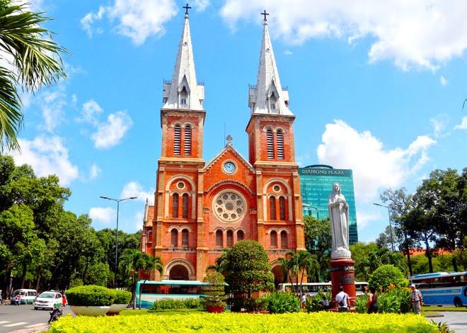 nhung dieu it biet trong nha tho duc ba sai gon - Những điều ít biết trong nhà thờ Đức Bà Sài Gòn