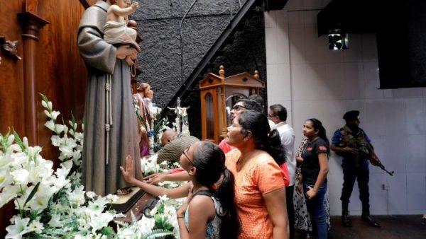 nha tho thanh anton o sri lanka duoc mo cua trong mot it gio e1557542652481 - Nhà thờ thánh Antôn ở Sri Lanka được mở cửa trong một ít giờ