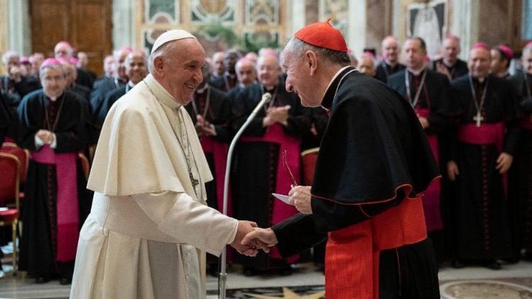 ĐTC tiếp kiến các nhà ngoại giao Tòa Thánh