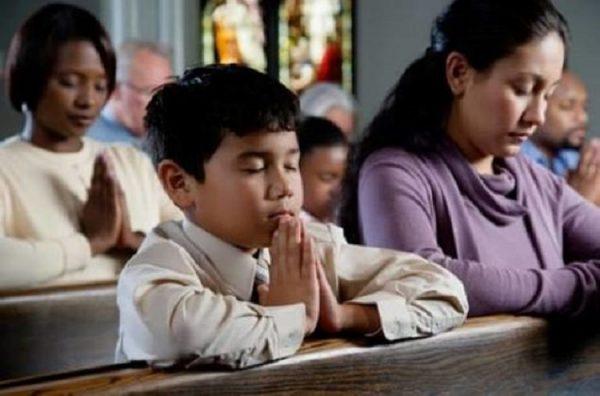 di tho di le 600x396 - Một nghiên cứu cho thấy: Những người đi lễ nhà thờ thì sống lâu hơn