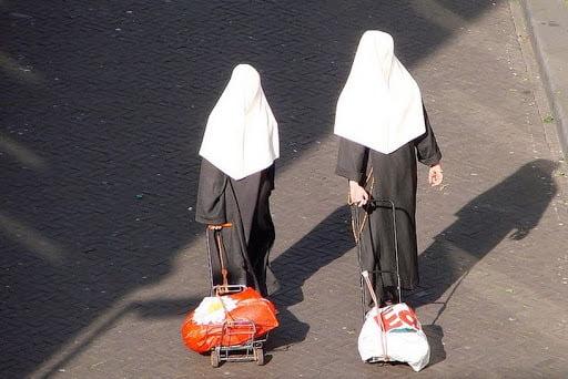 nu tu - 10 câu bạn không bao giờ nên nói với một nữ tu
