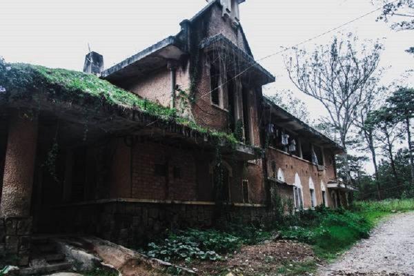 tu vien 2 600x400 - Tu viện bỏ hoang đẹp như ở châu Âu giữa lòng Đà Lạt