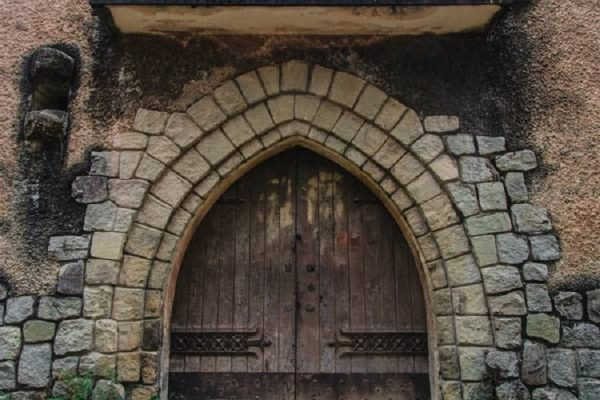 tu vien bo hoang dep nhu o chau au giua long da lat ivivu 11 600x400 - Tu viện bỏ hoang đẹp như ở châu Âu giữa lòng Đà Lạt