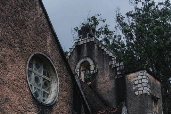 tu vien bo hoang dep nhu o chau au giua long da lat ivivu 3 600x400 - Tu viện bỏ hoang đẹp như ở châu Âu giữa lòng Đà Lạt