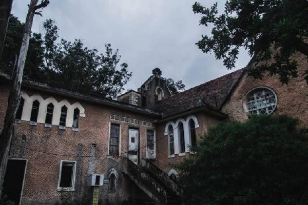 tu vien bo hoang dep nhu o chau au giua long da lat ivivu 4 600x400 - Tu viện bỏ hoang đẹp như ở châu Âu giữa lòng Đà Lạt