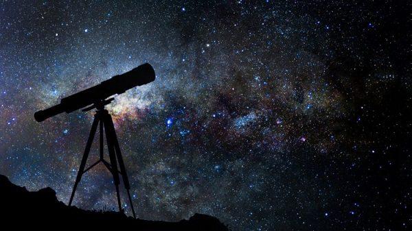 ublg8jd 600x337 - Con đường khám phá Thiên Chúa của nhà thiên văn học dòng Tên Guy Consolmagno