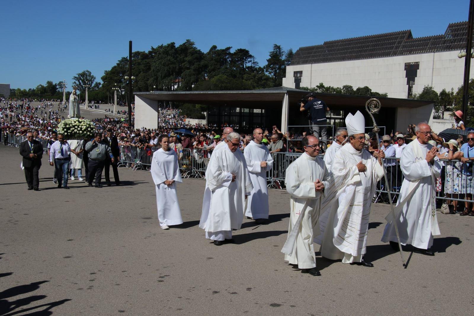 022 - Đại lễ Đức Mẹ Hồn Xác Lên Trời tại Fatima, Bồ Đào Nha