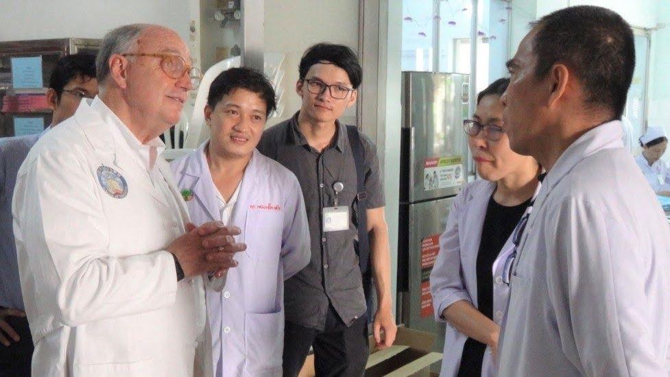 15082019 221531 - Hợp tác giáo dục y tế giữa Dòng Tên Mỹ và Việt Nam