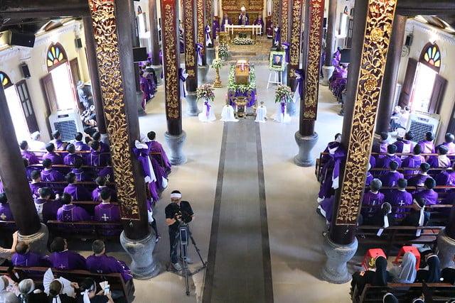 15956 cha khanh 17 - Thánh lễ an táng linh mục Phanxicô Xaviê Nguyễn Quốc Khánh