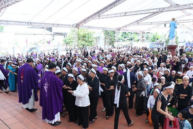 15956 cha khanh 8 - Thánh lễ an táng linh mục Phanxicô Xaviê Nguyễn Quốc Khánh