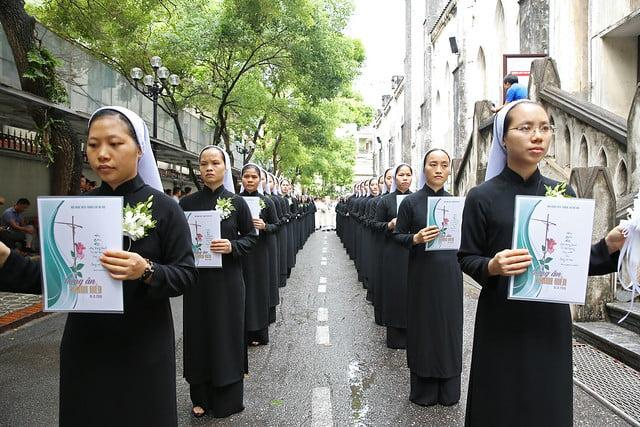 15971 khan dong mtg 1 - 39 nữ tu tuyên khấn trong Dòng Mến Thánh Giá Hà Nội: Một lần đoan hứa