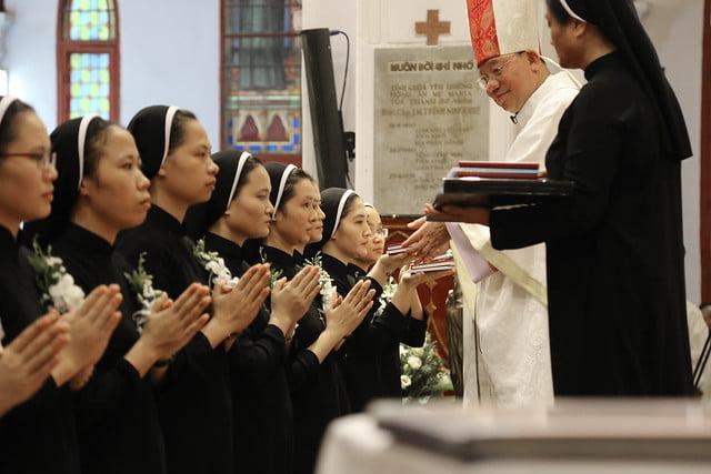 15971 khan dong mtg 11 - 39 nữ tu tuyên khấn trong Dòng Mến Thánh Giá Hà Nội: Một lần đoan hứa