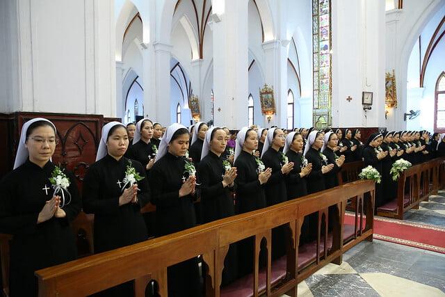 15971 khan dong mtg 3 - 39 nữ tu tuyên khấn trong Dòng Mến Thánh Giá Hà Nội: Một lần đoan hứa