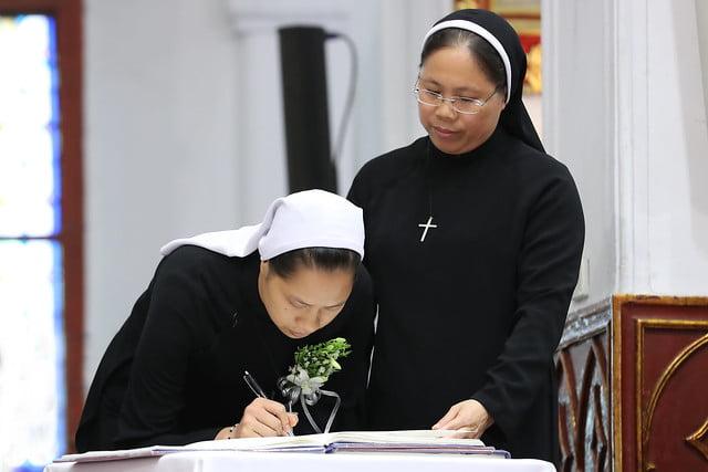 15971 khan dong mtg 8 - 39 nữ tu tuyên khấn trong Dòng Mến Thánh Giá Hà Nội: Một lần đoan hứa