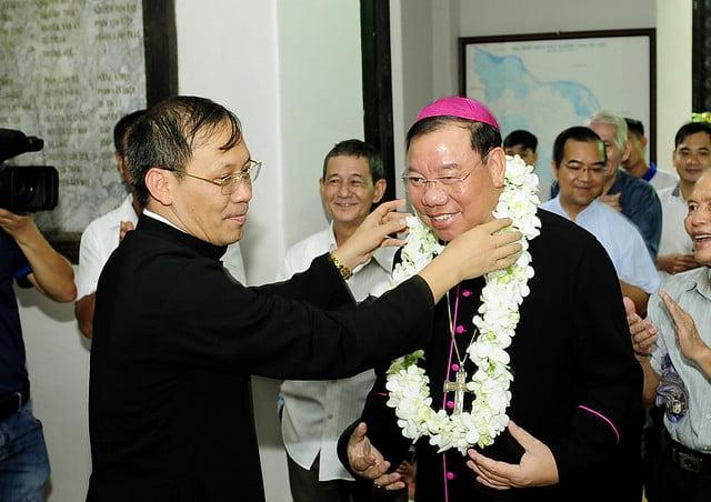 16050 nhan xu 1 - Cha Giuse Vũ Quang Học chính thức nhận sứ vụ tại Giáo xứ Hàm Long và Trung Chí