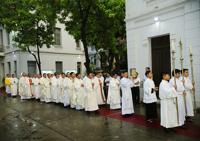 16050 nhan xu 2 - Cha Giuse Vũ Quang Học chính thức nhận sứ vụ tại Giáo xứ Hàm Long và Trung Chí