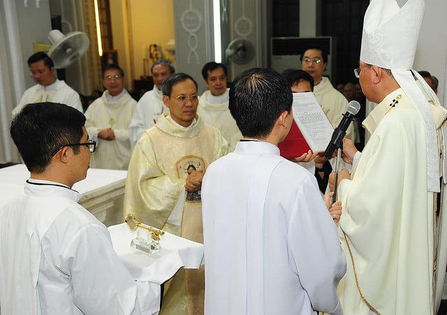 16050 nhan xu 5 - Cha Giuse Vũ Quang Học chính thức nhận sứ vụ tại Giáo xứ Hàm Long và Trung Chí