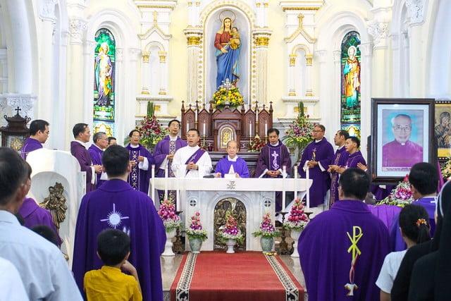 16060 ha thao10 - Thánh lễ giỗ 12 năm năm Đức Ông Giuse Đích Nguyễn Ngọc Oánh: Vị tông đồ nhiệt thành của Chúa