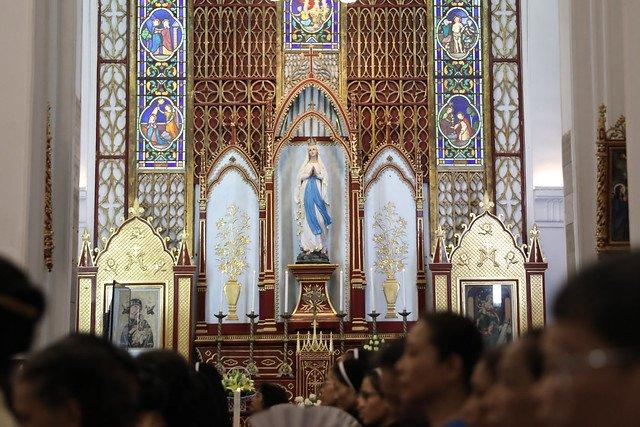 16072 me len troi 3 - Đại lễ Đức Mẹ Linh Hồn và Xác lên trời tại Nhà thờ Chính Tòa Hà Nội 2019