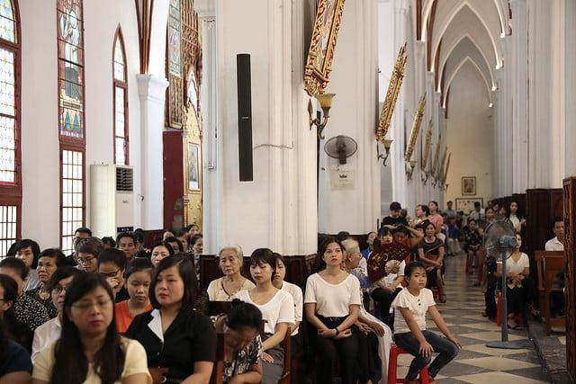 16072 me len troi 7 - Đại lễ Đức Mẹ Linh Hồn và Xác lên trời tại Nhà thờ Chính Tòa Hà Nội 2019