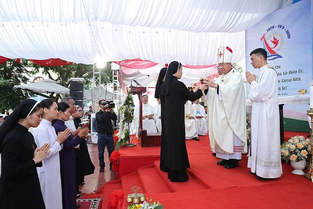 16080 nam thanh 13 - Dòng Mến Thánh Giá Hà Nội khai mạc Năm Thánh mừng 350 năm hồng ân