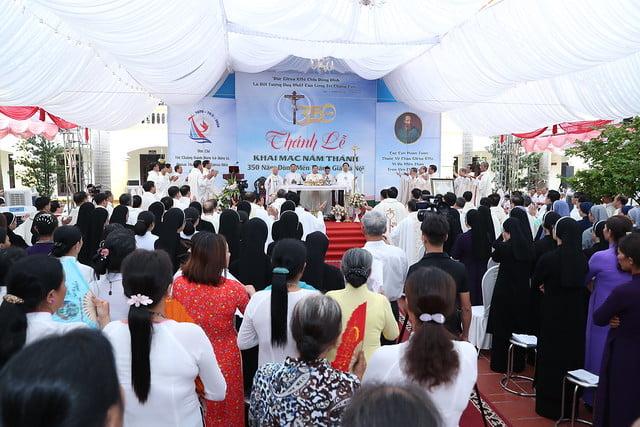 16080 nam thanh 15 - Dòng Mến Thánh Giá Hà Nội khai mạc Năm Thánh mừng 350 năm hồng ân