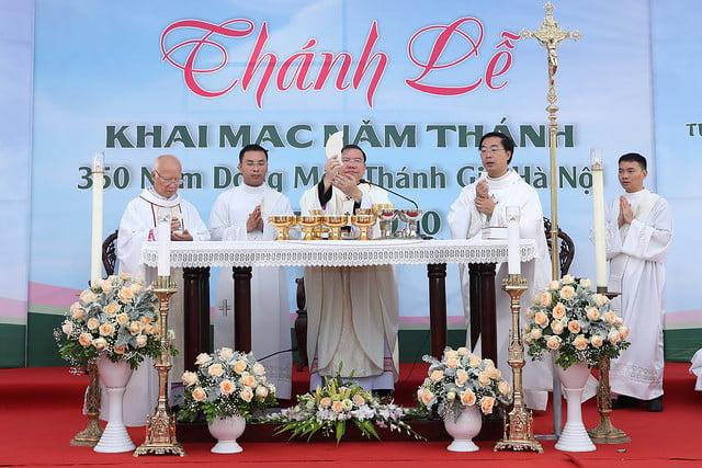 16080 nam thanh 16 - Dòng Mến Thánh Giá Hà Nội khai mạc Năm Thánh mừng 350 năm hồng ân