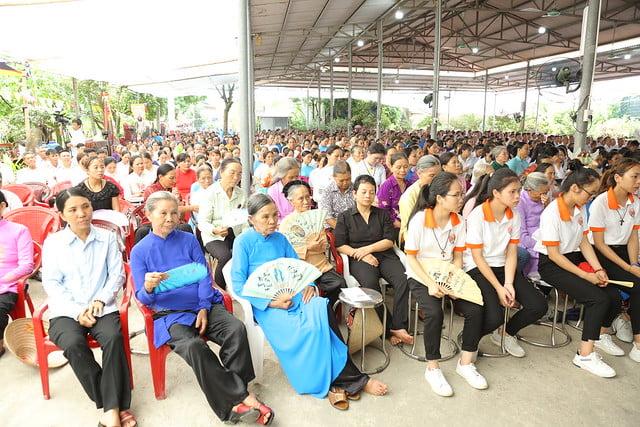 16083 ra mat 11 - Giáo họ Tân Phú nhận quyết định thành lập Giáo họ trong ngày lễ quan thầy