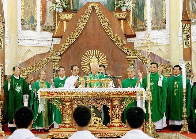 16090 nam dinh 1 - Giáo xứ Nam Định chầu Thánh Thể thay mặt Tổng Giáo phận 2019