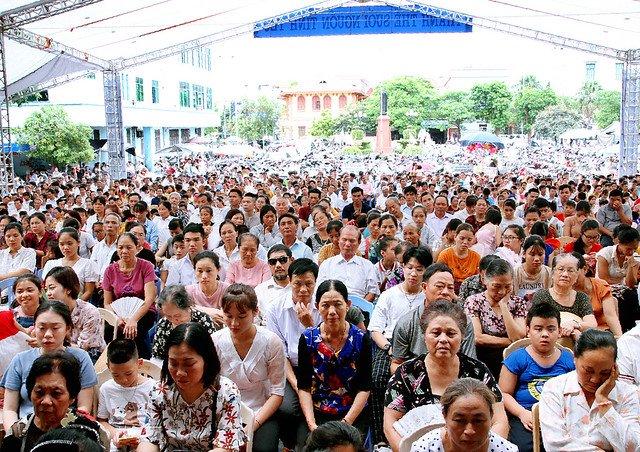 16090 nam dinh 4 - Giáo xứ Nam Định chầu Thánh Thể thay mặt Tổng Giáo phận 2019