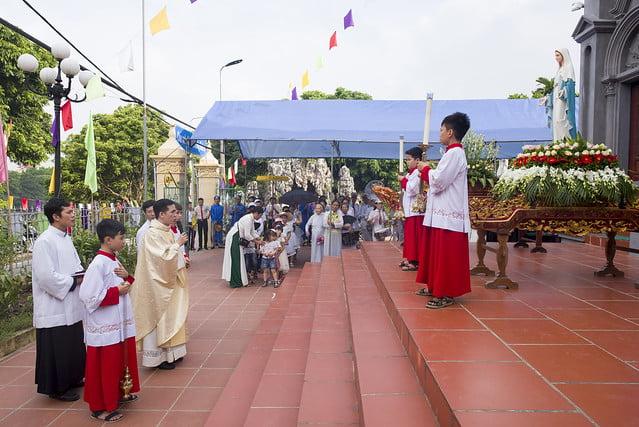 16110 hoa tran 1 - Giáo họ Hoà Trần mừng thánh lễ Đức Maria Trinh Nữ Vương quan thày