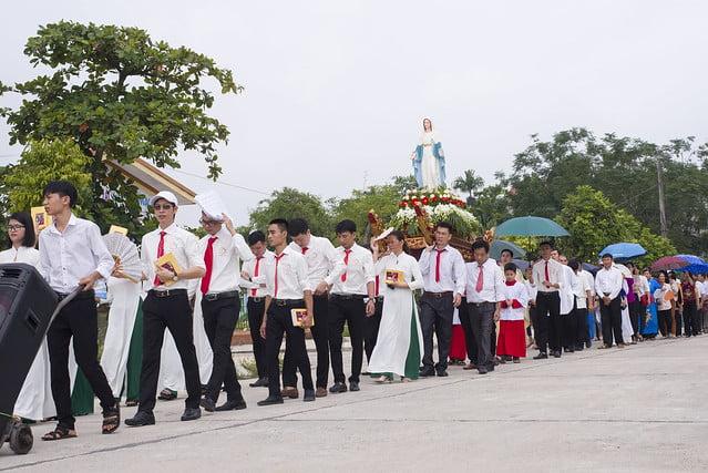 16110 hoa tran 3 - Giáo họ Hoà Trần mừng thánh lễ Đức Maria Trinh Nữ Vương quan thày