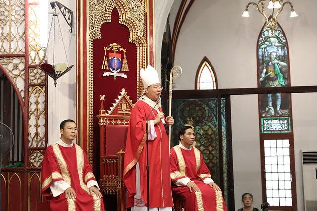 16136 them suc 1 - Thánh lễ ban Bí tích Thêm sức tại Nhà thờ Chính Tòa Hà Nội
