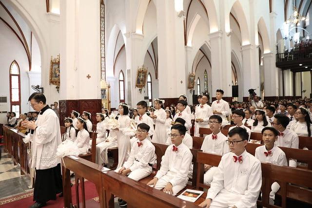 16136 them suc 10 - Thánh lễ ban Bí tích Thêm sức tại Nhà thờ Chính Tòa Hà Nội