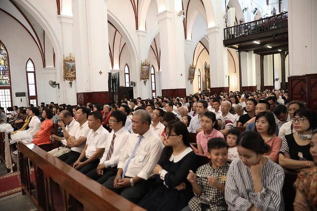 16136 them suc 2 - Thánh lễ ban Bí tích Thêm sức tại Nhà thờ Chính Tòa Hà Nội