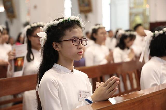 16136 them suc 8 - Thánh lễ ban Bí tích Thêm sức tại Nhà thờ Chính Tòa Hà Nội