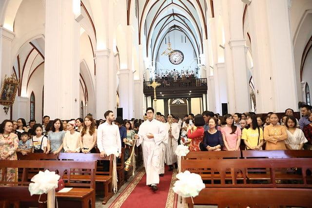 16140 btkt 1 - 28 Tân tòng ra mắt tại Nhà thờ Chính tòa Hà nội