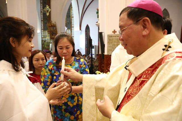 16140 btkt 10 - 28 Tân tòng ra mắt tại Nhà thờ Chính tòa Hà nội