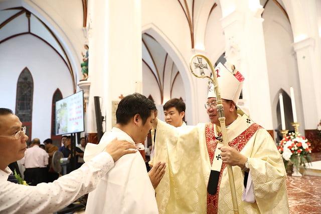 16140 btkt 13 - 28 Tân tòng ra mắt tại Nhà thờ Chính tòa Hà nội