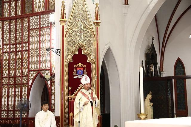 16140 btkt 3 - 28 Tân tòng ra mắt tại Nhà thờ Chính tòa Hà nội