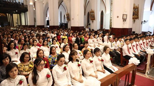 16140 btkt 4 - 28 Tân tòng ra mắt tại Nhà thờ Chính tòa Hà nội